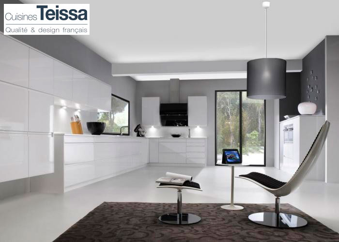 COURCHEVELLE - Cuisine TEISSA - MJ Home